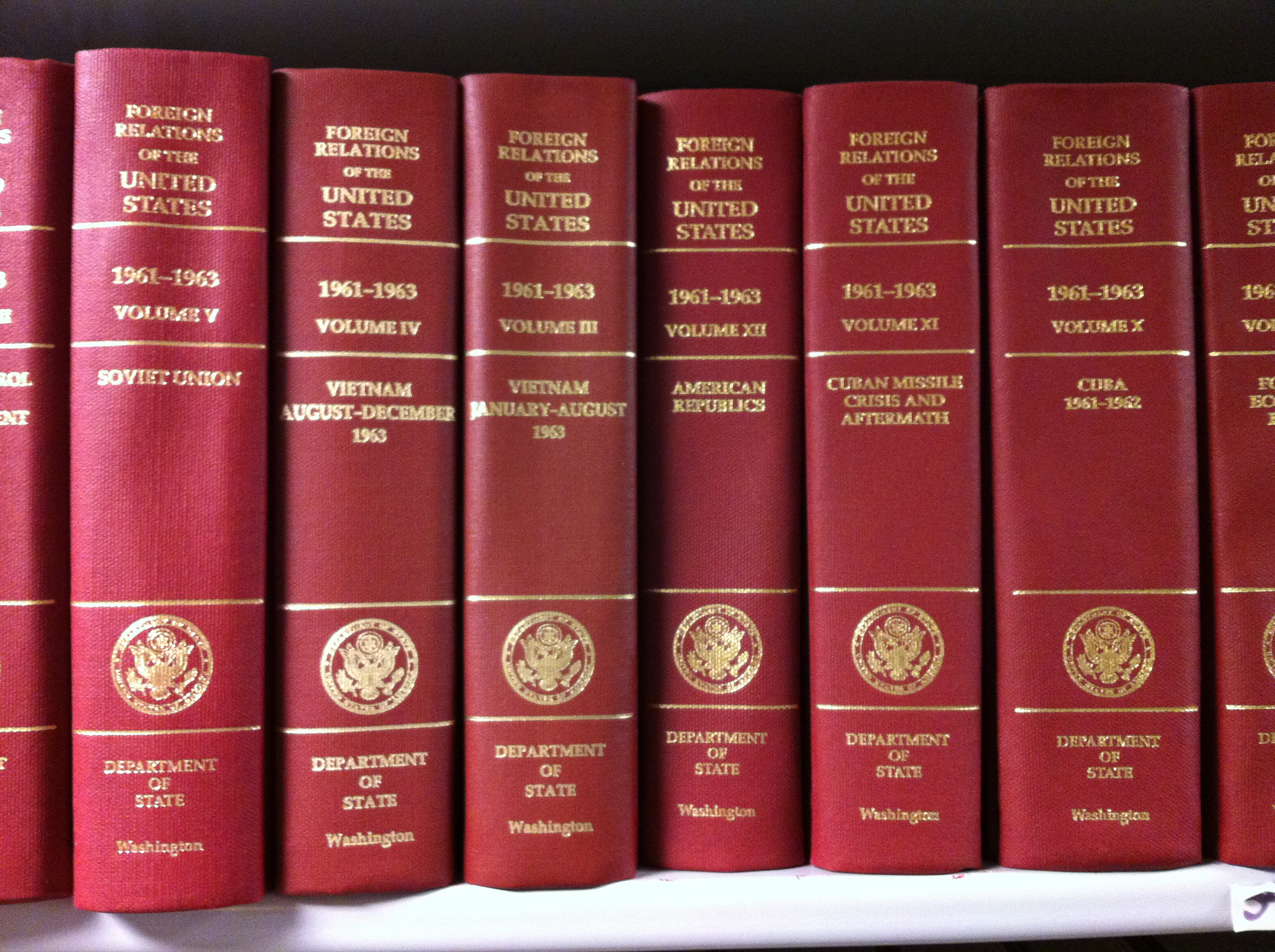 FRUS bookshelf